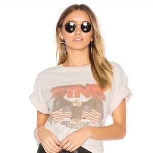 ISO This Tee in S OR XS!
